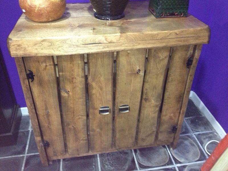 Exclusieve met hand gemaakt houten meubels for Houten meubels