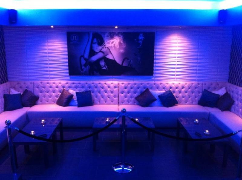 Horeca lounge en diner banken op maat horeca interieur meubilair - Meubilair loungeeetkamer ...