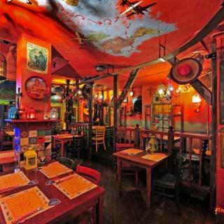 Mexicaans texaans restaurant met terras en bovenwoning for Lay outs terras van het restaurant