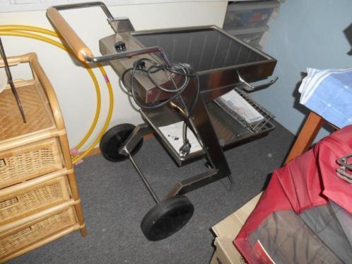 Rvs keramiche kookplaat pegrim op wielen for Rvs ladenblok op wielen